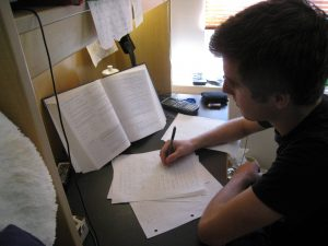 כתיבת עבודות גמר באתר איזיגרייד
